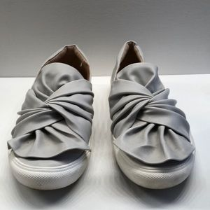 Slide on shoes great condition